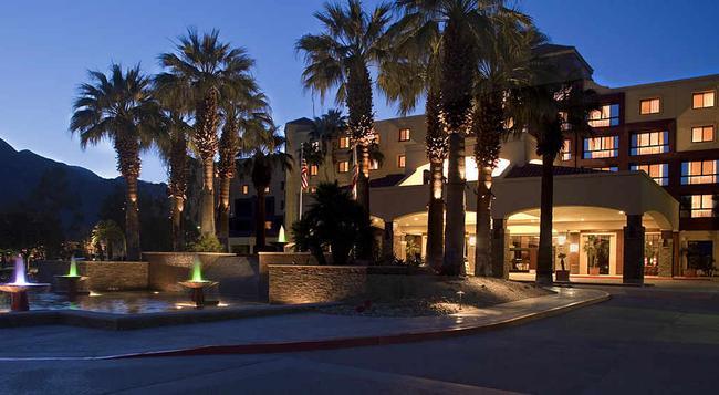 Renaissance Palm Springs Hotel - Palm Springs - Building