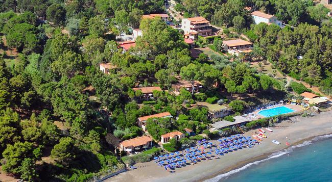 Hotel Capo Sud - Capoliveri - Outdoor view