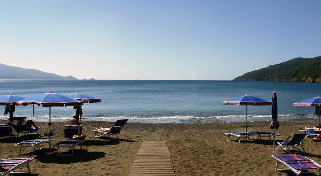 Hotel Capo Sud - Capoliveri - Beach