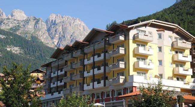 Alpenresort Belvedere Wellness & Beauty - Molveno - Building