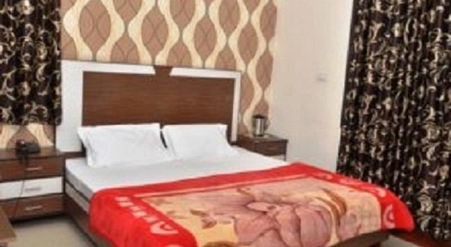 Hotel Vivek Plaza - Ambala - Bedroom