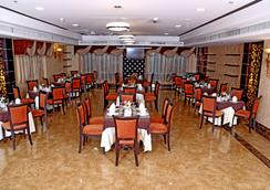 Royal Grand Suite Hotel - Sharjah - Restaurant