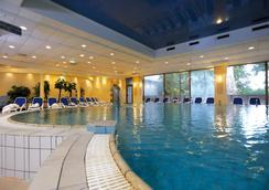 Danubius Grand Hotel Margitsziget - Budapest - Pool