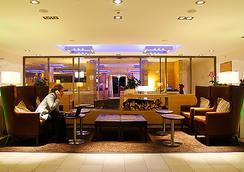H+ Hotel Zurich - Zurich - Lobby