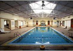 Hari Niwas Palace - Jammu - Pool