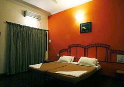 Sky Blue Resort - Lonavala - Bedroom