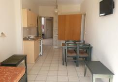 Zannis Hotel Apartments - Rethymno - Bedroom