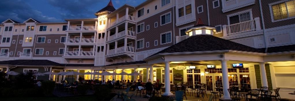 Watkins Glen Harbor Hotel - Watkins Glen - Building