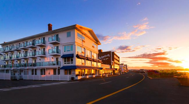 Ashworth by the Sea - Hampton Beach - Building