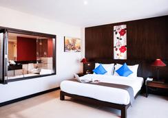 Andakira Hotel - Patong - Bedroom
