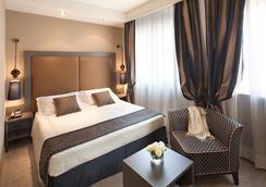 Hotel Mozart - Milan - Bedroom