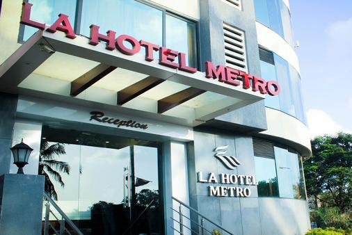 La Hotel Metro - Mumbai - Building