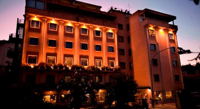 Grand Hotel Tiberio - Rome - Building