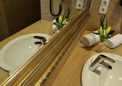 Hotel Stadt Bremen Garni - Bremen - Bathroom
