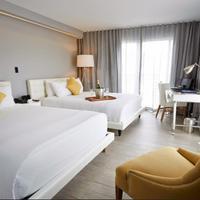 Riviera Suites Guestroom