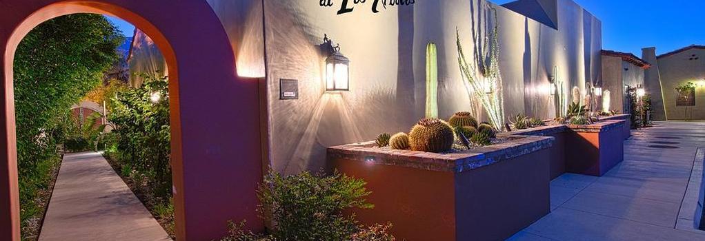 Los Arboles Hotel - Palm Springs - Building