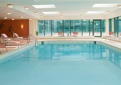 Renaissance Baltimore Harborplace Hotel - Baltimore - Pool