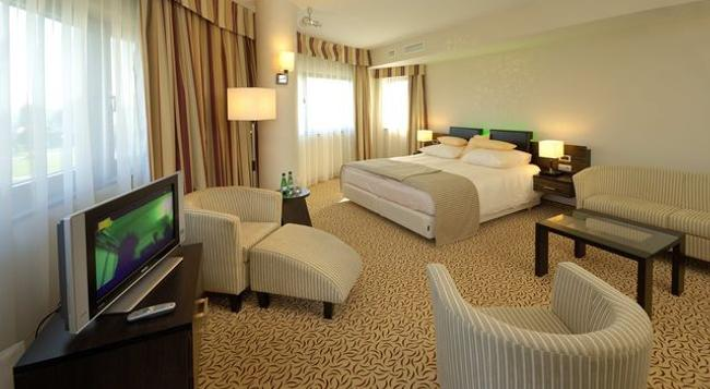 Qubus Hotel Krakow - Krakow - Bedroom