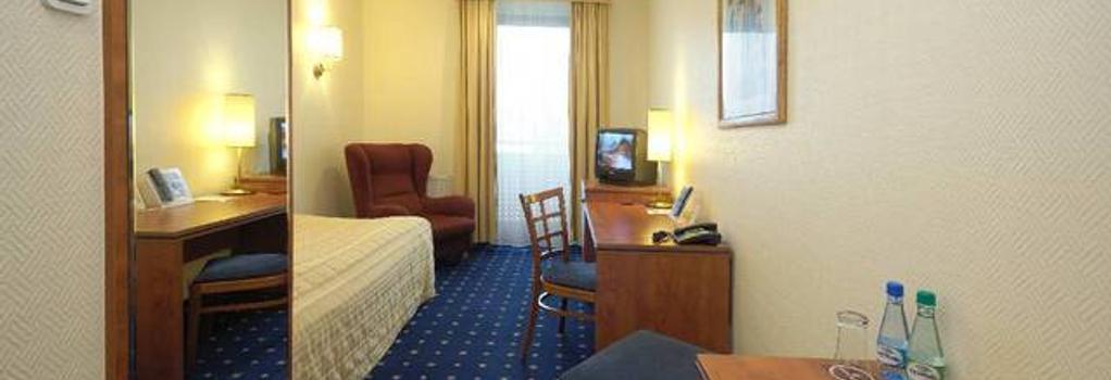 Qubus Hotel Zielona Gora - Zielona Gora - Bedroom