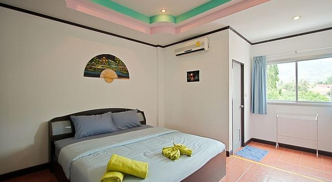 Stanley's Guesthouse - Patong - Bedroom