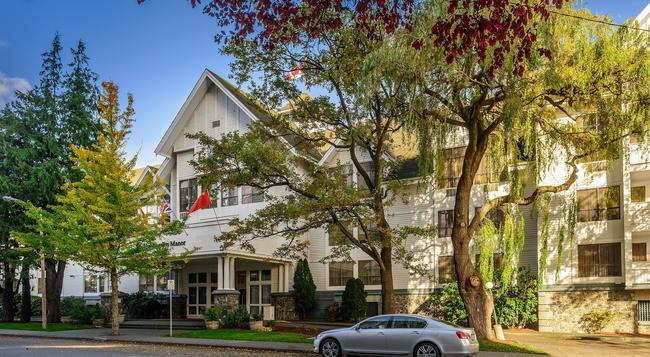 Huntingdon Manor Hotel - Victoria - Building