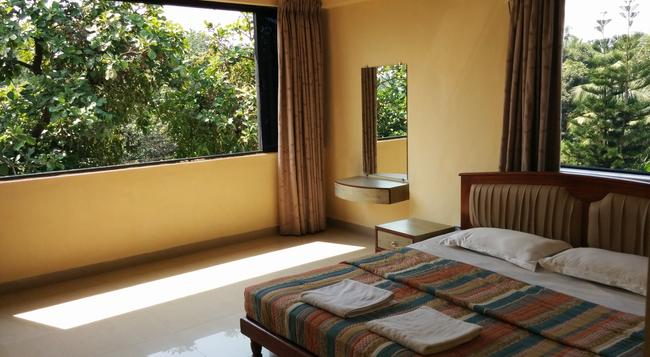 Goan Clove Apartment Hotel - Vagator - Bedroom