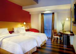 Aston Palembang Hotel & Conference Center - Palembang - Bedroom