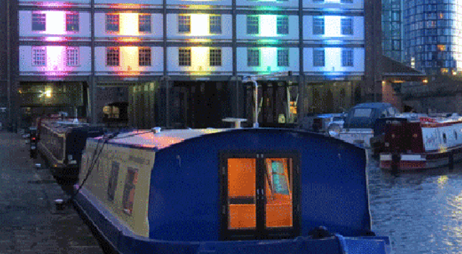 Houseboat Hotels - Hotel boat - Sheffield - Building