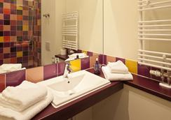 Explorer Hotel Montafon - Gaschurn - Bathroom