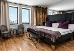 Hotel by Maude - Solna - Bedroom