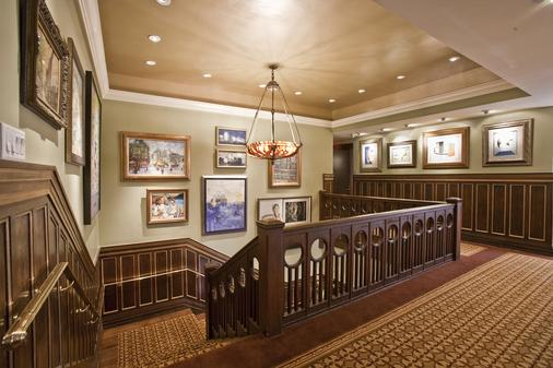La Colombe d'Or - Houston - Stairs