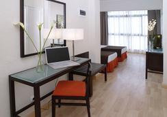 Hotel Pelinor - Santa Cruz de Tenerife - Bedroom