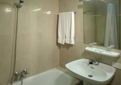 Hotel Pelinor - Santa Cruz de Tenerife - Bathroom