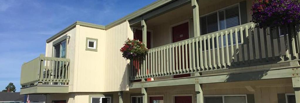 Sandy Cove Inn - Seaside - Building