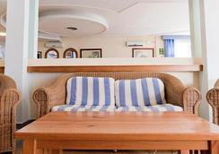 Hotel Apartamentos Lux Mar - Ibiza - Lobby