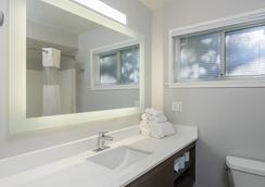 The Palo Alto Inn - Palo Alto - Bathroom