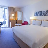 DoubleTree by Hilton Hotel London - Tower of London Guestroom