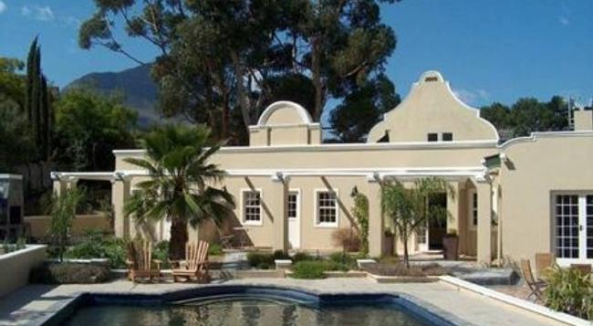 Somerset Villa Guesthouse - Somerset West - Building