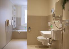 Hotel Kiez Pension - Berlin - Bathroom