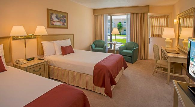 Sandcastle Resort at Lido Beach - Sarasota - Bedroom