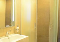 Kolkhi Palace - Tbilisi - Bathroom
