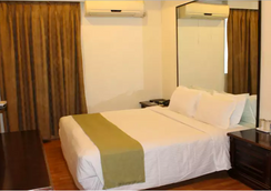Sandhya Hotel - Hyderabad - Bedroom