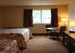 Kirkfield Motor Hotel - Winnipeg - Bedroom