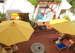 Villa Sinclair Beach Suites And Spa - Hollywood - Spa
