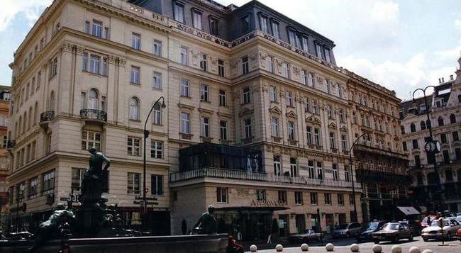 Ambassador Hotel - Vienna - Building