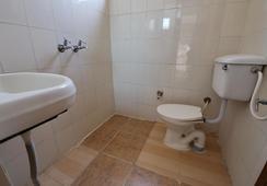 Staywell Hotel - Pathankot - Bathroom