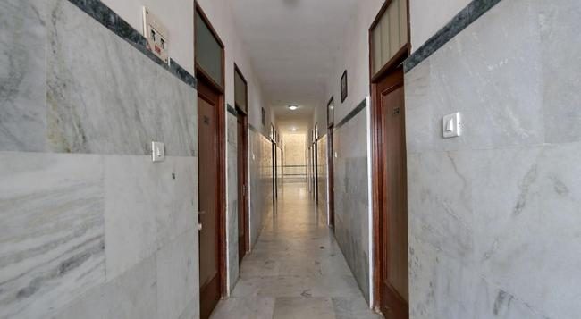 Hotel Staywell - Pathankot - Building