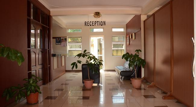 Nexus Resorts Hotel - Kampala - Building