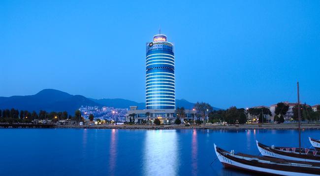 Wyndham Grand Izmir Ozdilek - Izmir - Building