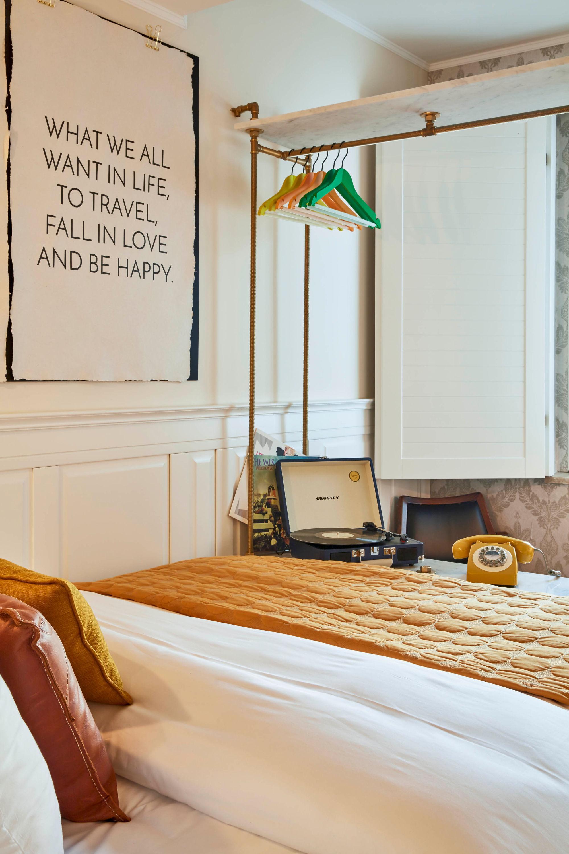 max brown midtown u20b9 6 751 u20b9 1 4 4 7 7 d sseldorf hotel rh kayak co in